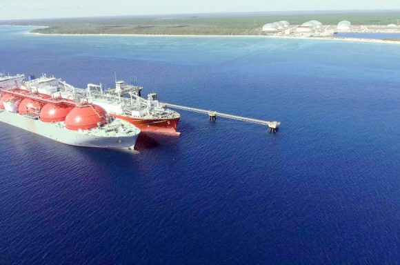 Excelerate FSRU performing first STS of LNG in Bahamas