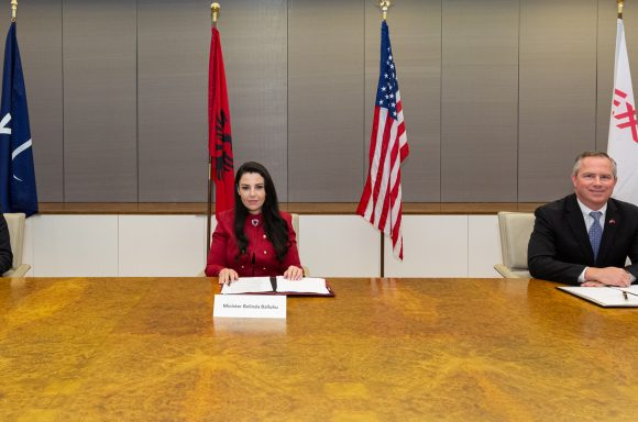 Excelerate, ExxonMobile, and Albanian Energy Minister sign agreement for LNG study