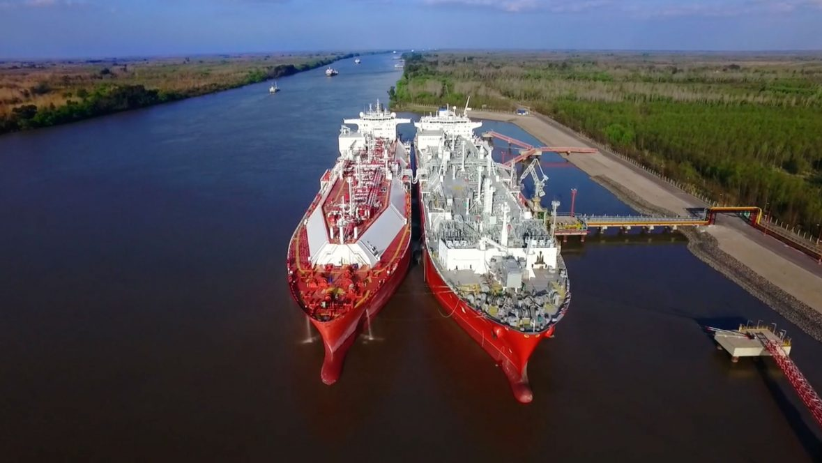 Ship to ship transfer of clean energy LNG